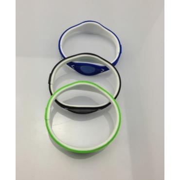 Зелёный Power Balance с ионами и зелеными голограммами
